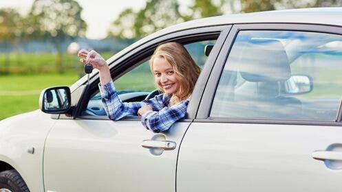 Consigue tu carnet de coche o moto ¡este cupón te puede salir gratis!