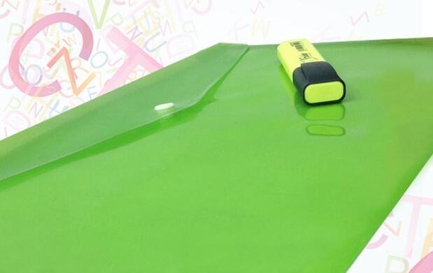 5 cuadernos, fluorescente y carpeta 5,20€