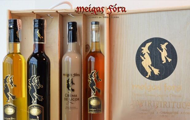Caja de 4 botellas de licor gallego 19,99€