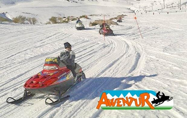 Pilota moto de nieve en Alto Campoo 12€