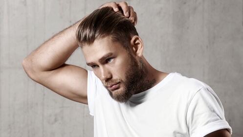 Dos completas sesiones de peluquería para caballero con corte