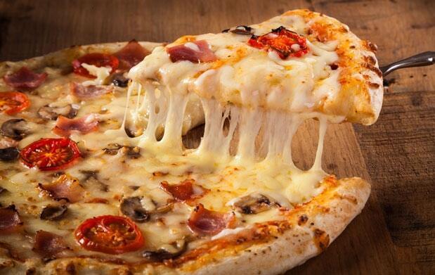Menú italiano con 2 pizzas y bebida para 2