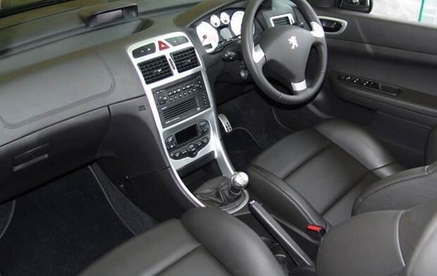 Lavado interior y exterior de coche 19€