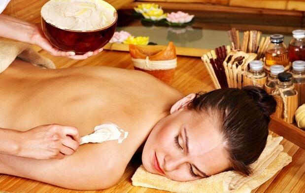 Masaje corporal con sales exfoliantes 15€