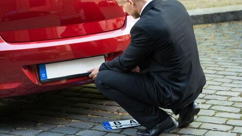 Renueva tu placa de matrícula para coche
