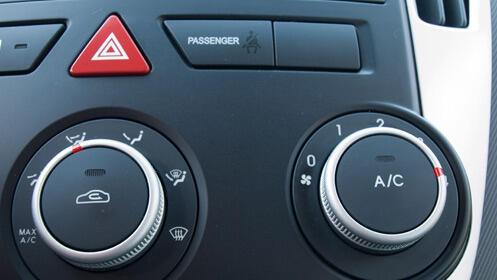 La mejor oferta para recargar el aire acondicionado de tu coche
