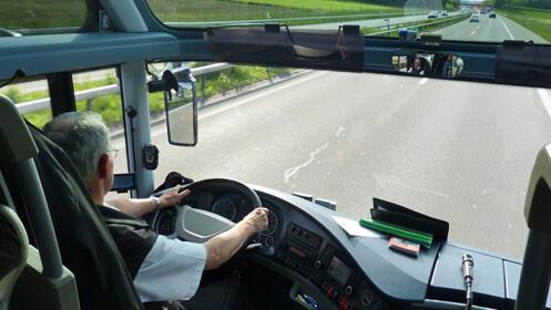 Nuevas oportunidades laborales: carné de camión o autobús
