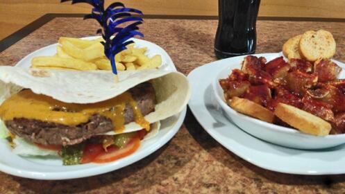 Deliciosas hamburguesas deluxe, menú para dos