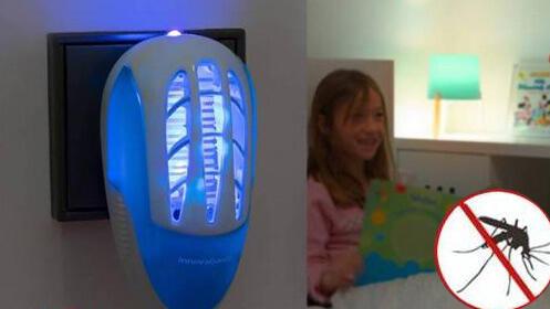 Enchufe antimosquitos con LED ultravioleta