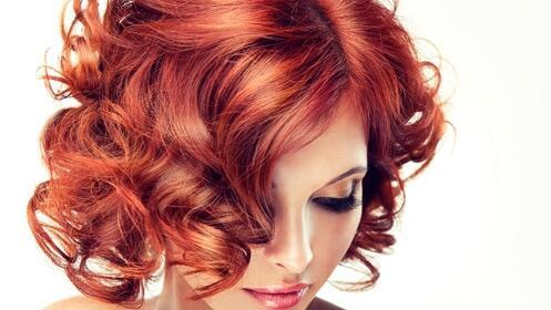 Sesión de tinte y peinado para reparar tu cabello