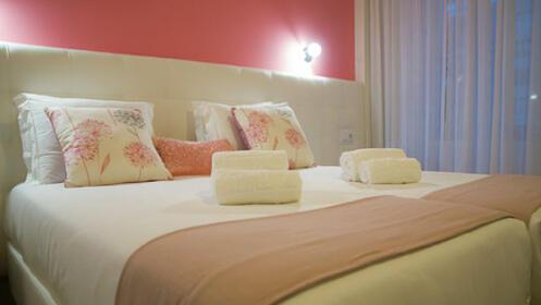 Escapada a Oporto en Suites rooms + visita y degustación de vino