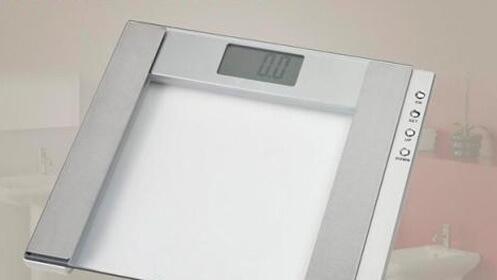 Báscula con medidor masa corporal