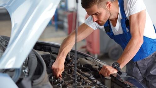 Revisión pre-itv y cambio de aceite para tu coche