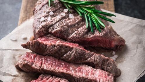 Exquisita carne para dos personas con este completo menú