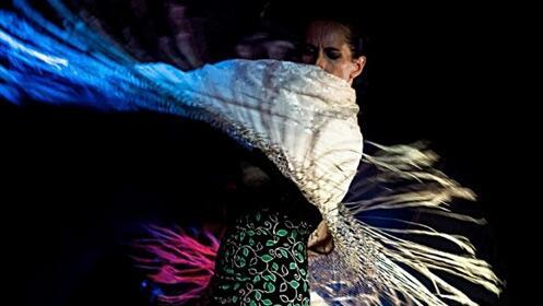 'Mi viaje en una maleta' con Sara Nieto en el Teatro Cervantes